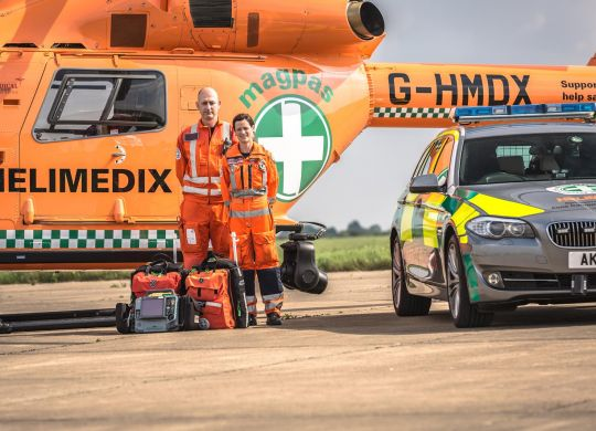 Magpas-Helimedix-Team-with-BMW--Air-Ambulance.jpg