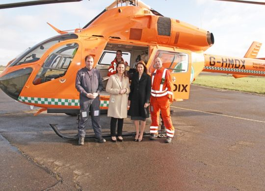 LOW-RES---Heidi-Allen-and-Lucy-Frazer-with-Richard-Eastwood-Ash-Richardson-and-Dr-Tom-Odbert-of-Magpas---4-2-15-IMG_9417---RGB---1500-px.jpg