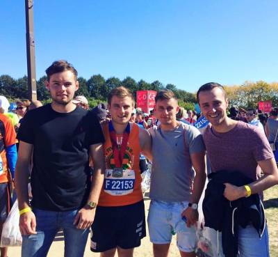 b2ap3_thumbnail_Alex-Ashley-chicago-marathon.jpg