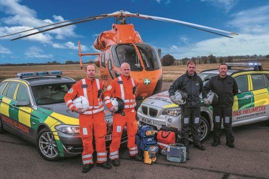 b2ap3_medium_LOW-RES-Magpas-Air-Ambulance-team-with-rapid-response-cars-air-ambulance