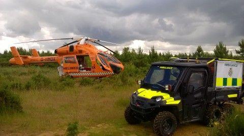 b2ap3_thumbnail_Nr-Woburn-Magpas-Air-Ambulance-lands-next-to-HART-at-scene-of-incident-2nd-July-Standen-and-Morgan