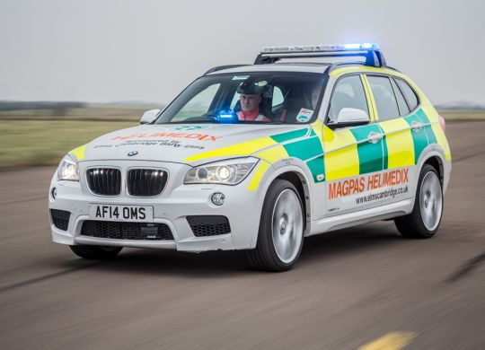 LOW-RES-Main-shot---Magpas-Helimedix-on-route-in-Rapid-Response-BMW.jpg