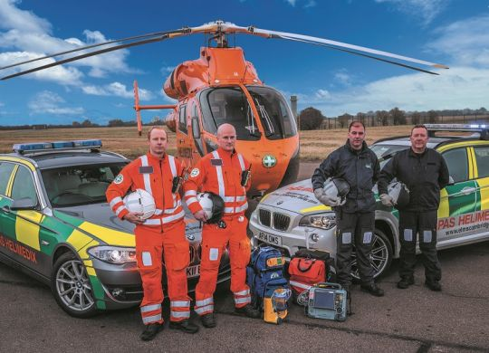 LOW-RES--Magpas-Air-Ambulance-team-with-rapid-response-cars--air-ambulance.jpg