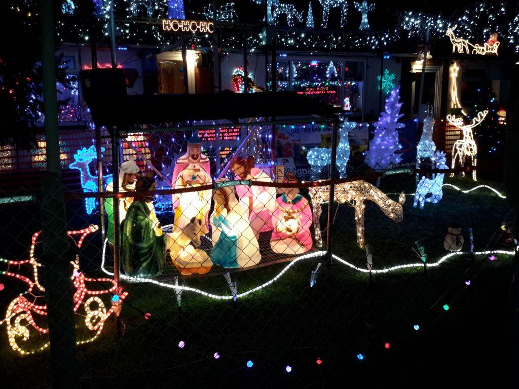 The-Miltons-Christmas-Lights-Spectacular.jpg