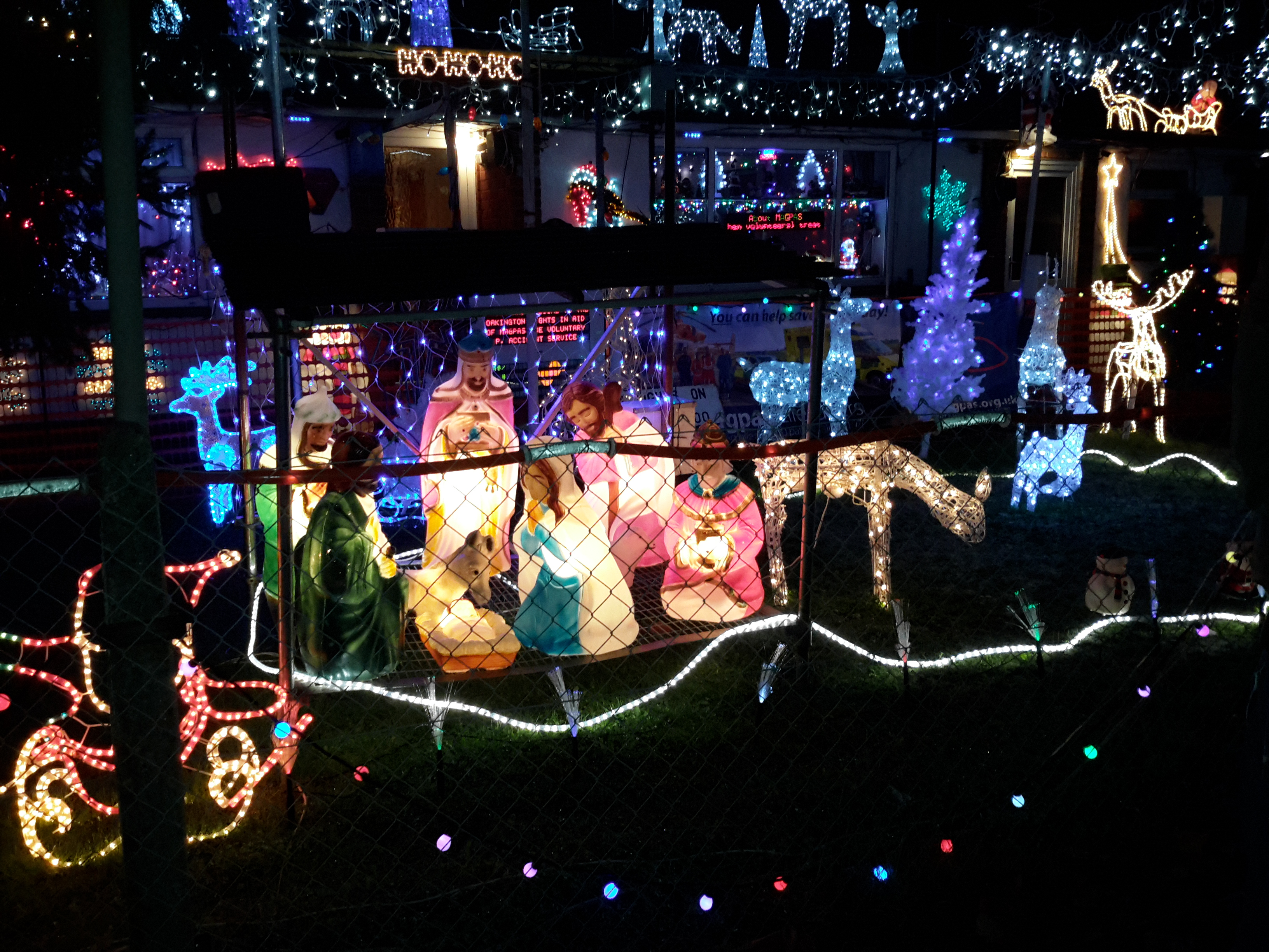 The-Miltons-Christmas-Lights-Spectacular.jpg