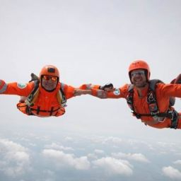 Taking-part-in-the-Magpas-Air-Ambulance-skydive.jpg